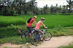Bersepeda di Ubud@baliraftingmurah.com