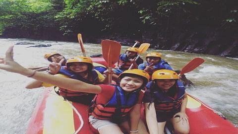 Uji Adrenalin Anda Dengan Wisata Rafting di Sungai Ayung Ubud