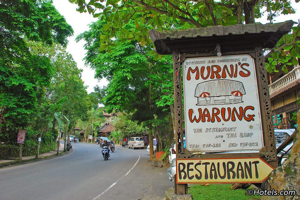 kuliner-di-ubud2-baliraftingmurah-1-1024x683